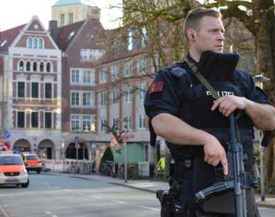 德国警方在货车撞人袭击者住所发现一把自动步枪