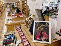 今天是世界读书日,青岛实体书店创意百态面面观