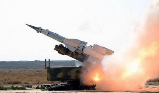 以色列对叙军事基地和军火库射导 部分导弹击中目标