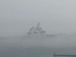 我国第一艘国产航母13日清晨离开码头开始海试