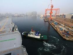 我国第二艘航母首次出海试验