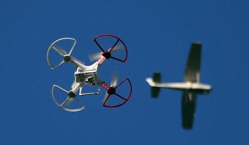 无人机坠落伤幼童脸部 专家:管控无人机要疏堵结合