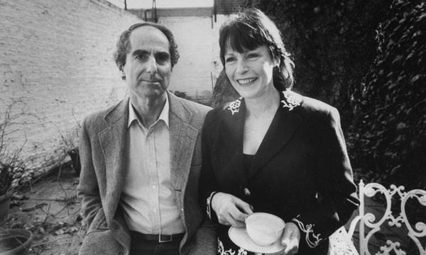 美国当代文学大师菲利普·罗斯于昨日逝世
