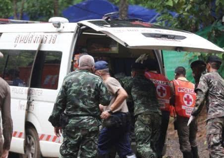 泰国少足队第二轮救援即将展开 一获救少年状况好转