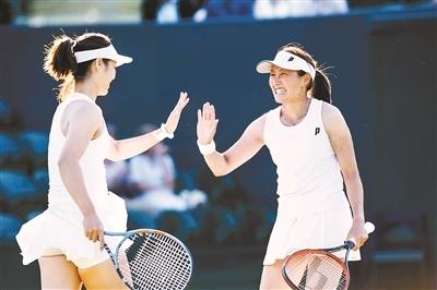 李娜参加温网元老赛 否认将重返职业赛场