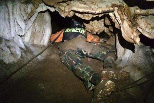 泰国洞穴救援在合作中成功 泰方拟将山洞变博物馆