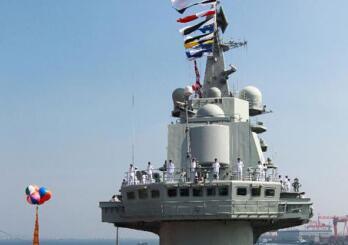 辽宁舰将接受入役后首次检修 首艘国产航母或再海试