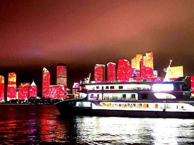 海上看青岛夜景灯光秀 去奥帆中心这条线路别错过!