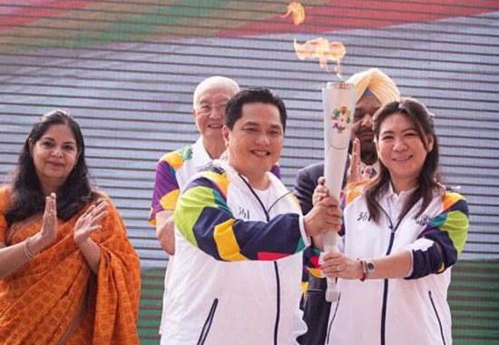 第十八届亚运会圣火开始在印度尼西亚境内传递