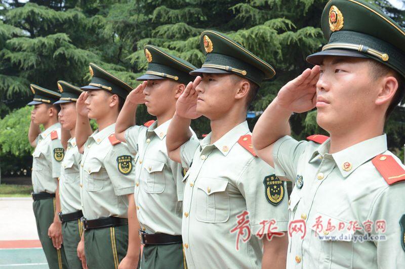 标准敬军礼�_标准的军礼,是对大家最高的礼仪.