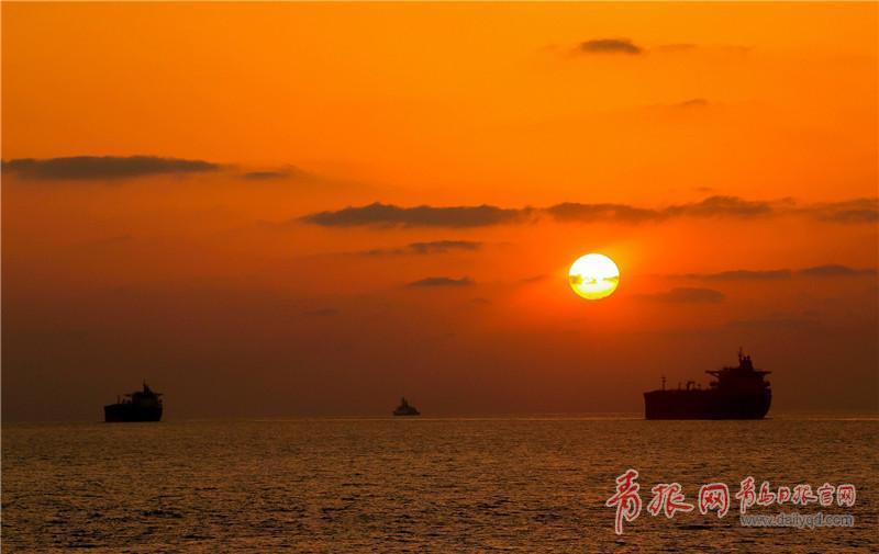 为船舶护航  朱林林摄影 (3).jpg