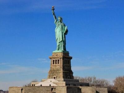 纽约自由女神像博物馆工地失火 数千游客被疏散
