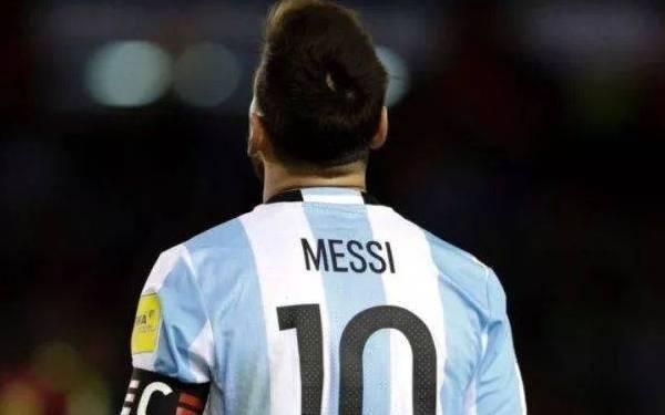 世界足球先生三人候选名单出炉,梅西落选