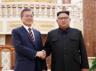 """朝中社详尽报道""""金文会"""":平壤10万民众夹道欢迎"""