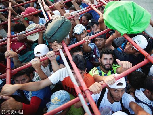 美国将向美墨边境派遣5200名军人应对移民潮