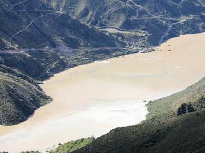 一级应急响应 金沙江堰塞湖蓄水量达1.74亿立方米