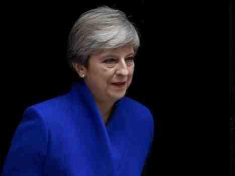 """英国首相""""悬""""了 保守党多人虎视眈眈"""