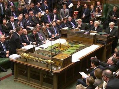 """英国议会指""""脸书""""列企业用户""""白名单"""""""