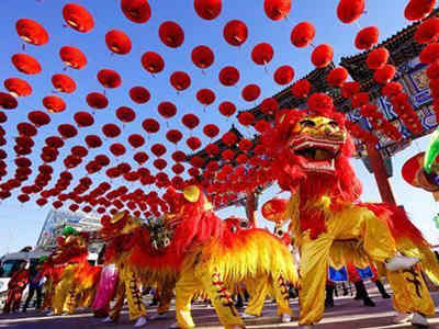 首破万亿元!春节消费比去年春节黄金周增长8.5%