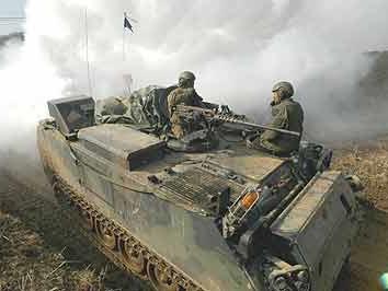 美韩宣布停止大规模联合军演 以小规模训练取代