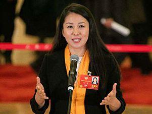 杨扬委员:重视中学、大学体育赛事建设