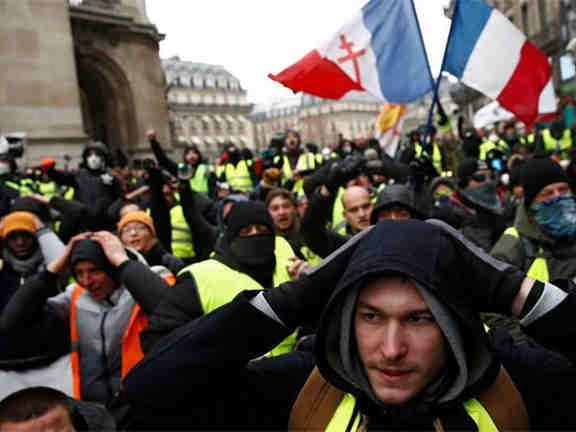 """""""?#31080;?#24515;""""示威引关注 联合国要求法彻查警察暴力"""