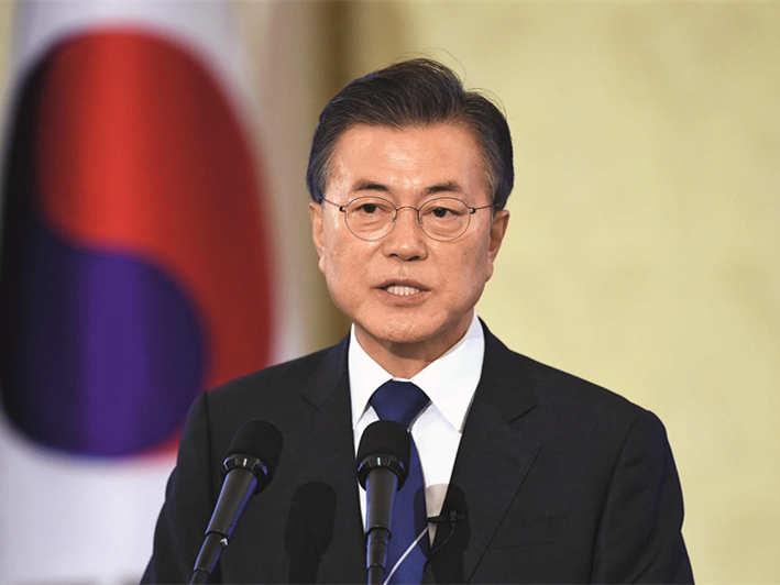 民调:韩国总统文在寅施政支持?#24335;?#33267;45% 创新低