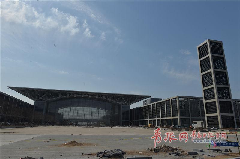 红岛国际会展中心登录大厅北面广场外景.jpg