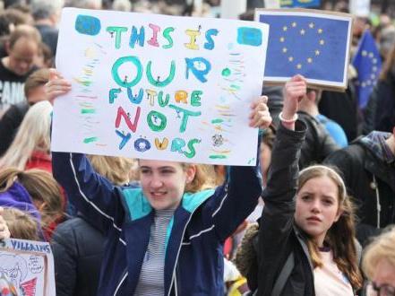 英議會否決所有脫歐選項 特蕾莎·梅賭上首相生涯