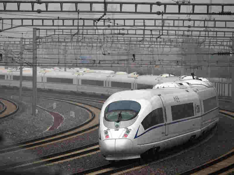 全国铁路实行新列车运行图 多线路运行时间缩短
