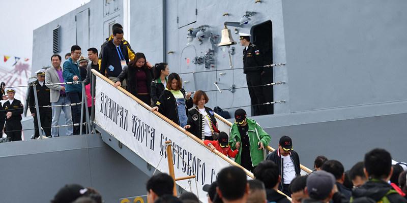 艦艇開放日|青島市民零距離感受戰艦魅力