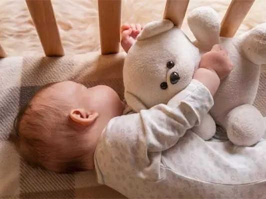 虐童零容忍!國辦發文,嬰幼兒照護服務將有這些變化