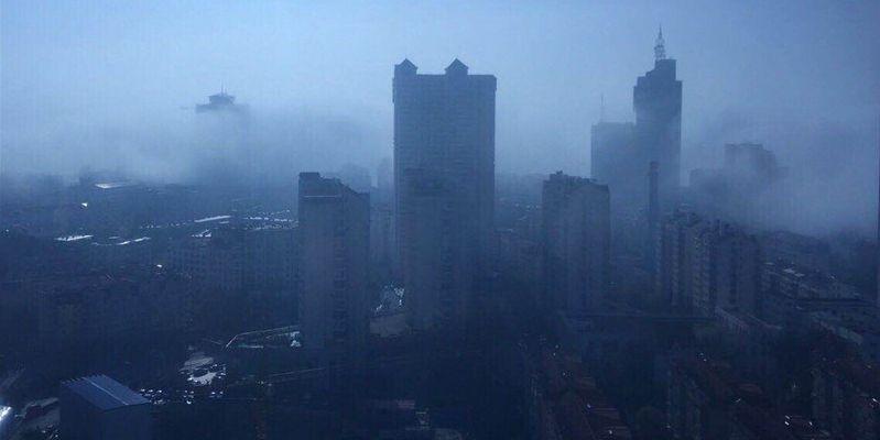 實拍:平流霧籠罩島城 仙氣繚繞似水墨畫卷