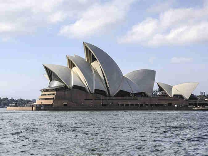 """澳新州持续干旱 悉尼将实施10年来首次""""限水令"""""""