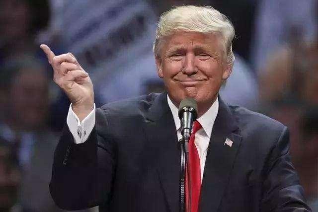 英国相位争夺激烈 美国总统特朗普挺约翰逊上位