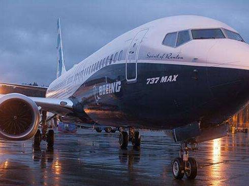 美国航空公司宣布继续延长737 MAX客机停飞期