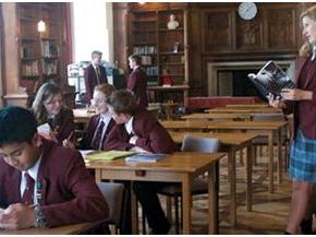 本國學生減少 英國和加拿大高校得靠國際學生掙錢