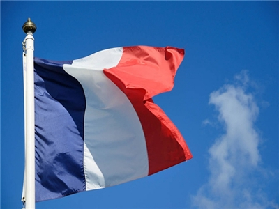 法国出台新规收紧移民政策