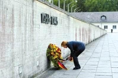 默克爾將到訪奧斯威辛集中營遺址并敬獻花環