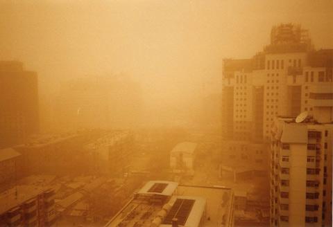 今春北方預計有7至10次沙塵 較常年同期明顯偏少