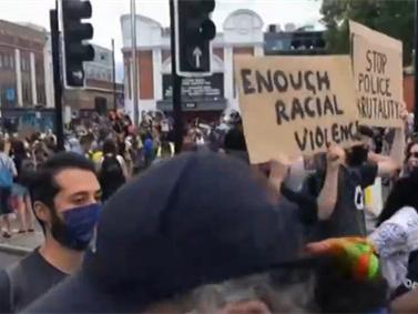 英國倫敦舉行反種族歧視和暴力執法抗議活動