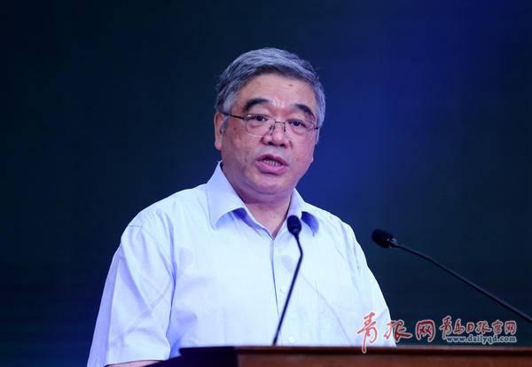 全国政协常委兼副秘书长,民进中央副主席朱永新担任人工智能教育联盟名誉主席。记者 韩星 摄