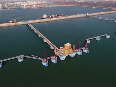 董家口港區原油碼頭二期將投產