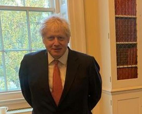 英國首相約翰遜因接觸新冠檢測陽性患者需自我隔離