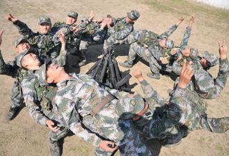 探秘青岛警备区新兵营训练生活