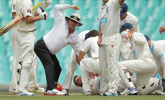 澳洲板球选手遭木质板球击中头部身亡(组图)
